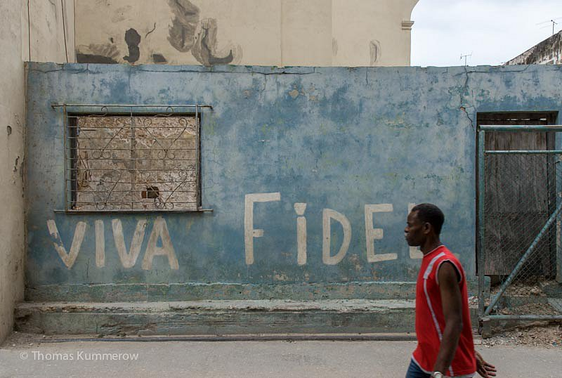 Viva Fidel Parole im Zentrum von Havanna. | Appeal to hold out in the center of Havanna.